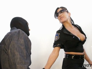 Police SexAcademy - so fickst du dich frei
